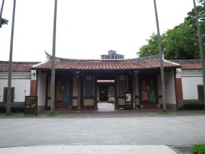 台北植物園內的清代衙署建築「欽差行台」(二級古蹟),明顯斑駁、疏於維護(張方遠攝)
